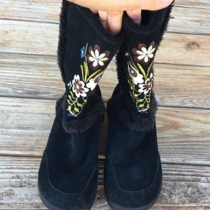 Report Suede Black Floral Boots